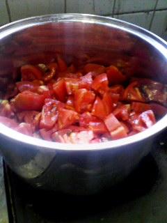 トマト2キロ。