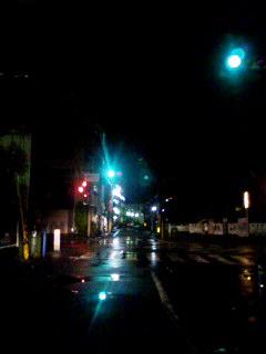 仕事帰りの雨。